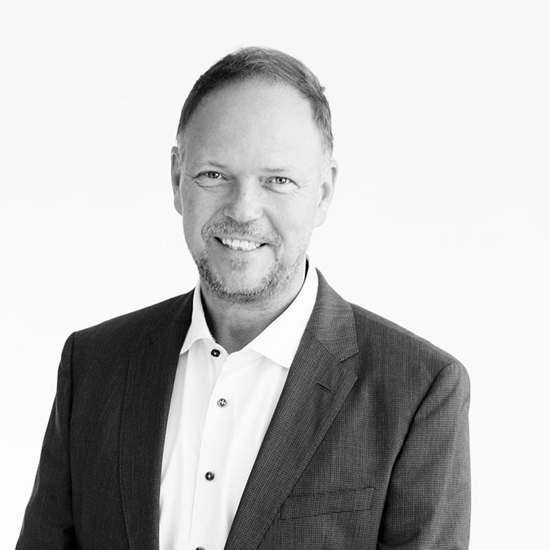 Jørn W Rasmussen